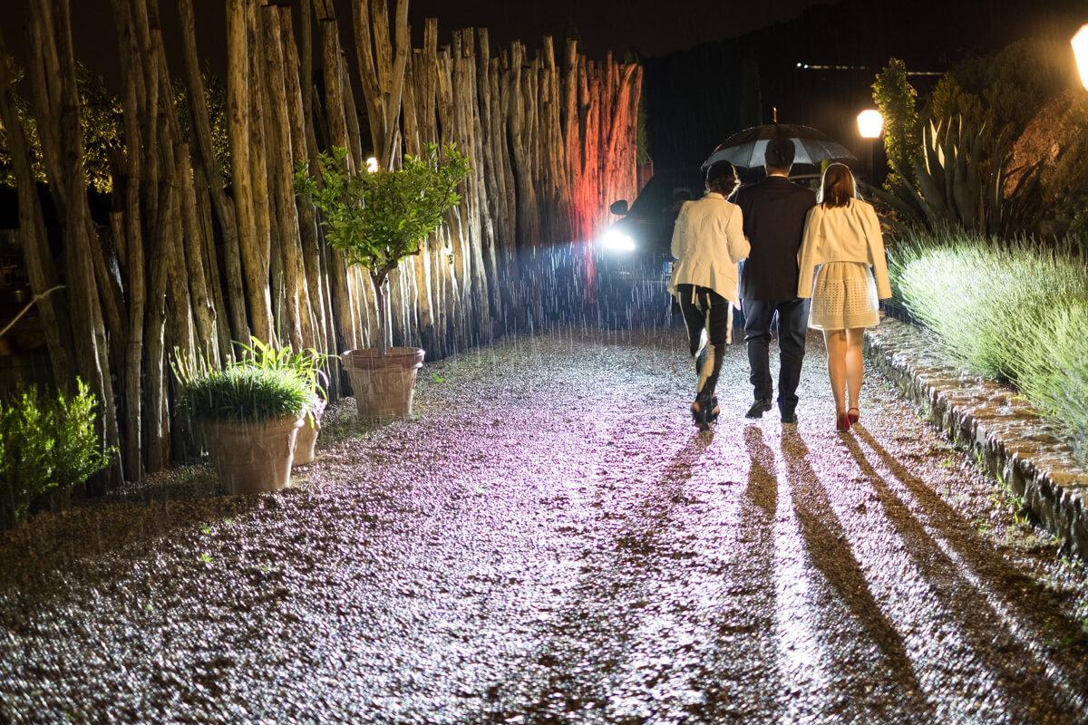 la location del matrimonio con la pioggia