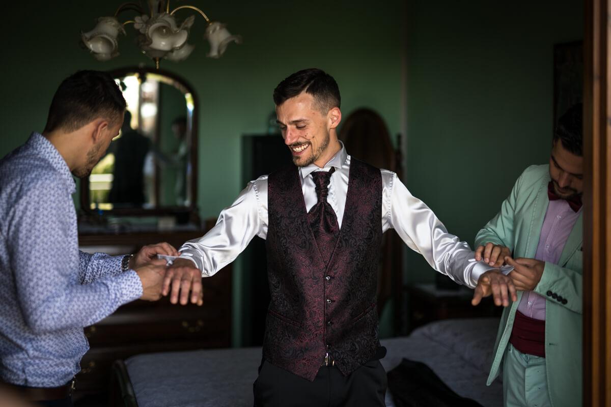 i testimoni che aiutano lo sposo