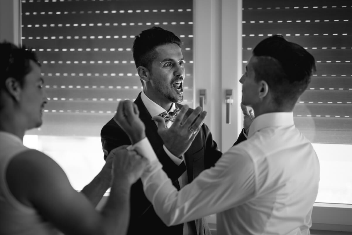 smorfie dello sposo